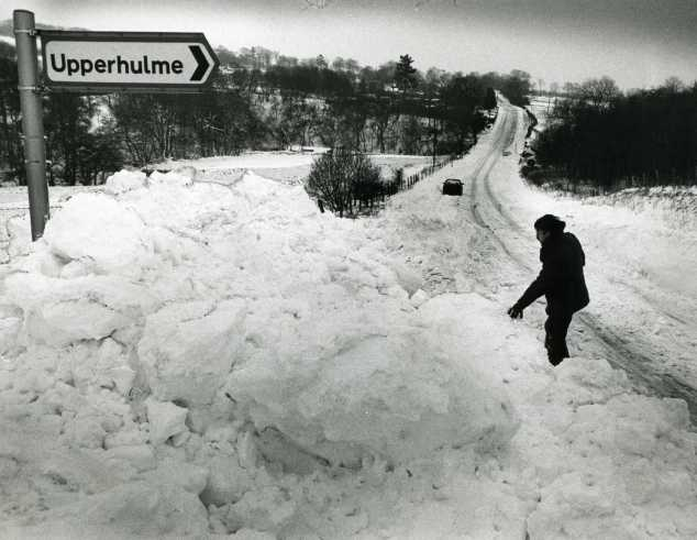Heavy snow in the Moorlands in January 1987.